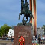 Памятник Жукову на площади Победы